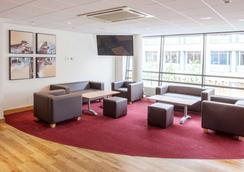 Travelodge Slough - Slough - Lounge