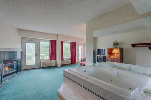 Mountain Melodies Inn - Pigeon Forge - Kylpyhuone