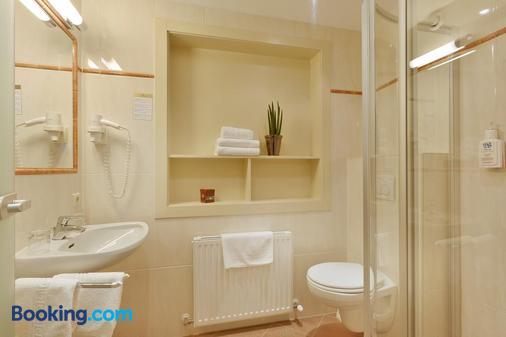 Hotel Waldfriede - Fügen - Bathroom