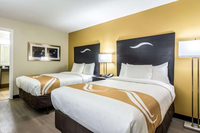 Quality Inn University Area - Auburn - Bedroom