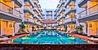 Eden Hotel Kuta Bali - Kuta - Piscina