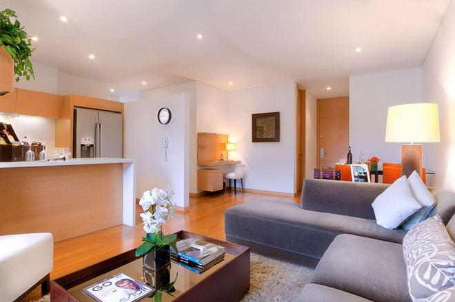93 Luxury Suites and Residences - Bogotá - Living room