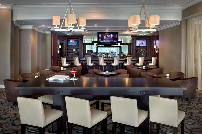 Hilton Greenville - Greenville - Bar