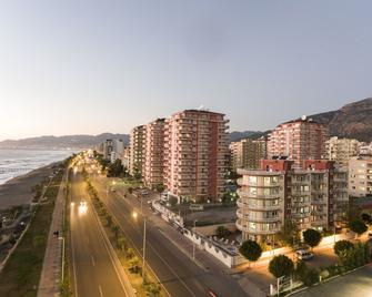 Milano Beach Family Hotel - Mahmutlar - Building