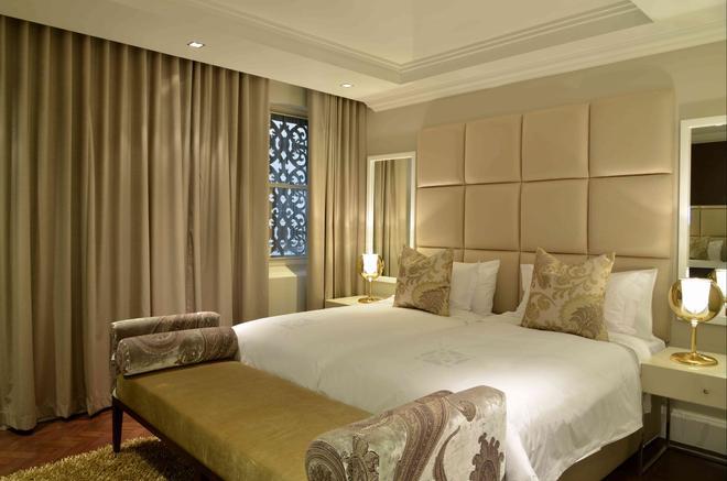 Cape Royale Luxury Suites - Cape Town - Bedroom