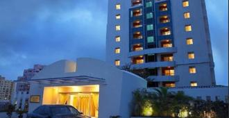 Royal Orchid Golden Suites Pune - Pune