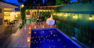 Las Magnolias Hotel Boutique - San Salvador - Piscina