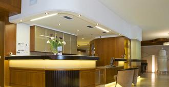 Hotel König - פסאו - דלפק קבלה