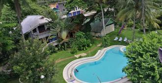 Kokosnuss Garden Resort - קורון - בריכה