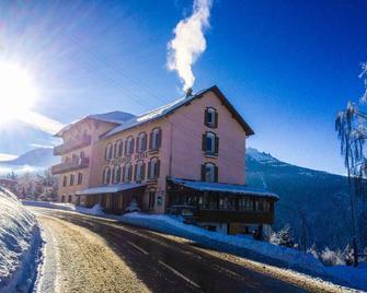 Hotel Belvedere - Séez - Budova
