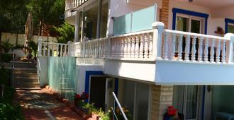 Guzelyali Hotel - אייבאליק - בניין