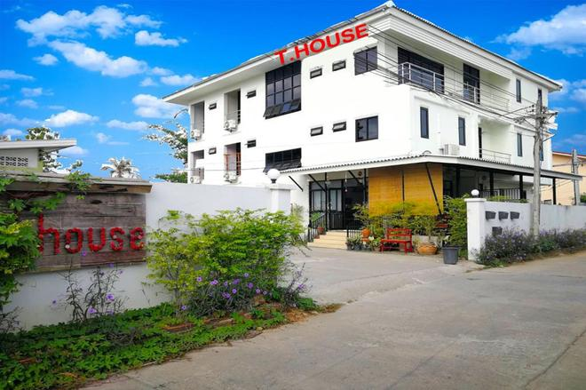 T.House Maesot - Mae Sot - Building