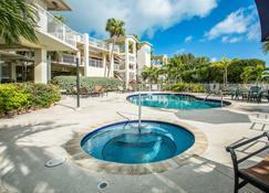 Dove Creek Resort & Marina - Cayo Largo - Piscina
