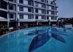 Pullman Hanoi - Ханой - Бассейн