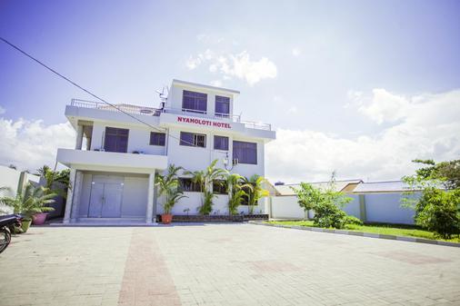 B10 Airport Lodge - Dar Es Salaam - Building