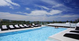 Grand Sunset Hotel - Karon - Pool