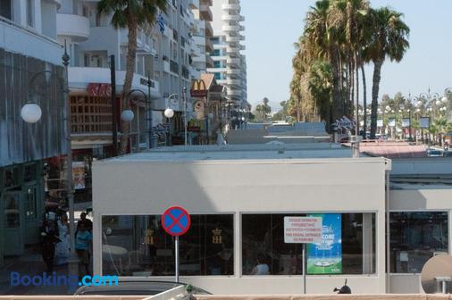 Tuck Inn - Larnaca - Building