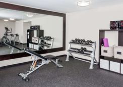 Baymont Inn & Suites Glenview - Glenview - Gimnasio