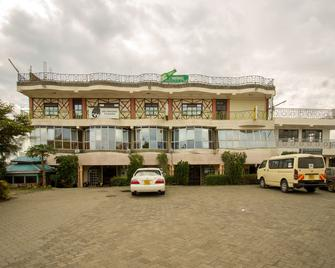 Three Ways Hotel & Restaurant - Naivasha - Building