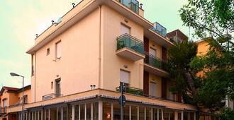 Hotel Ave - רימיני