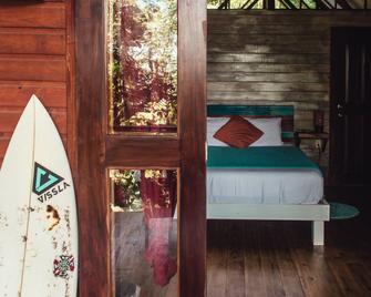 Surf Break at Paunch - Carenero - Habitación