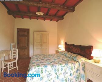 Agriturismo Casa Fibbianello - Semproniano - Bedroom
