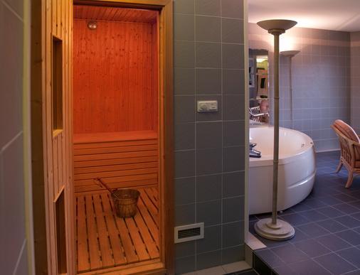 Best Western Hotel Scheele - Köping - Bathroom