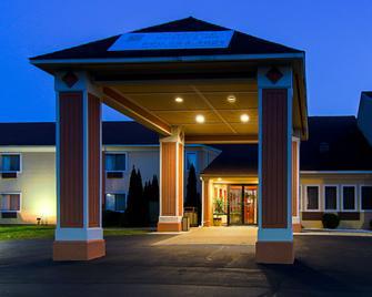 Quality Inn Plainfield I-395 - Plainfield - Building