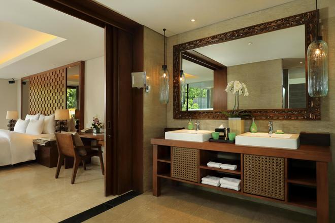 Anantara Uluwatu Bali Resort - South Kuta - Bathroom