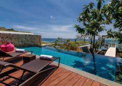 Anantara Uluwatu Bali Resort - South Kuta - Bể bơi