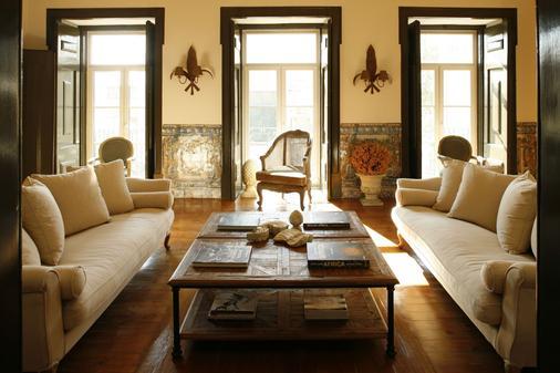 Palacio Ramalhete - Lisbon - Living room
