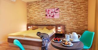 Hotel Viktor - Bratislava - Yatak Odası