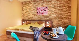 Hotel Viktor - Bratislava - Schlafzimmer