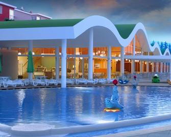 Wyndham Grand Novi Vinodolski Resort - Novi Vinodolski - Bazén