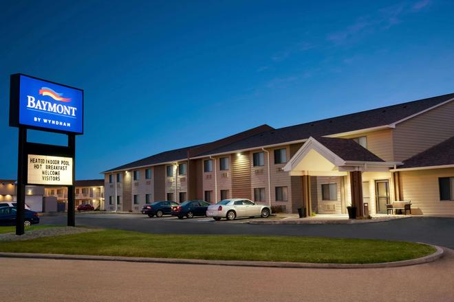 Baymont by Wyndham Sioux Falls West Russell Street - Sioux Falls - Toà nhà