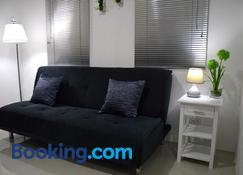 Jazz Luxury Apartment - Manila - Living room