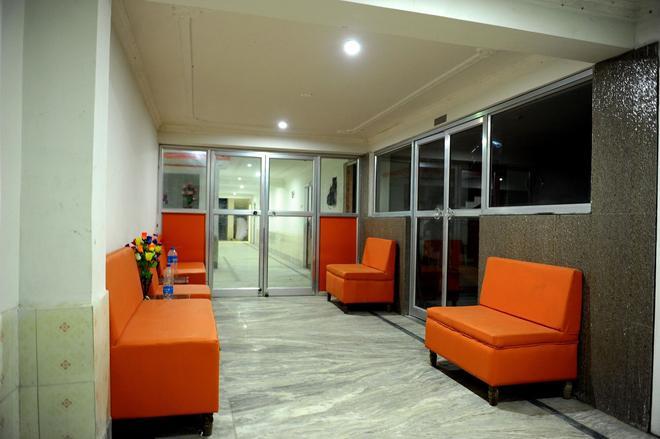 Jayanti Hotel - Rampurhut - Lobby