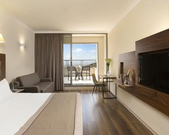 Golden Crown Hotel - Nazareth - Slaapkamer