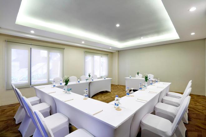 Rofa Kuta Hotel - Kuta - Meeting room