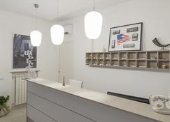 Hotel America - Scafati - Receptionist