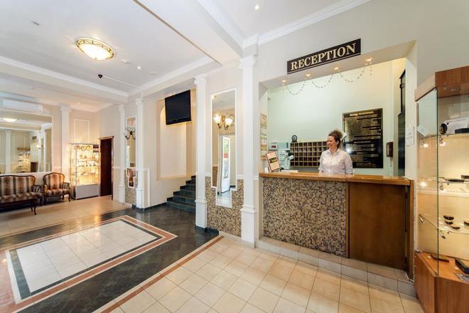 Sokol Hotel - Suzdal - Front desk