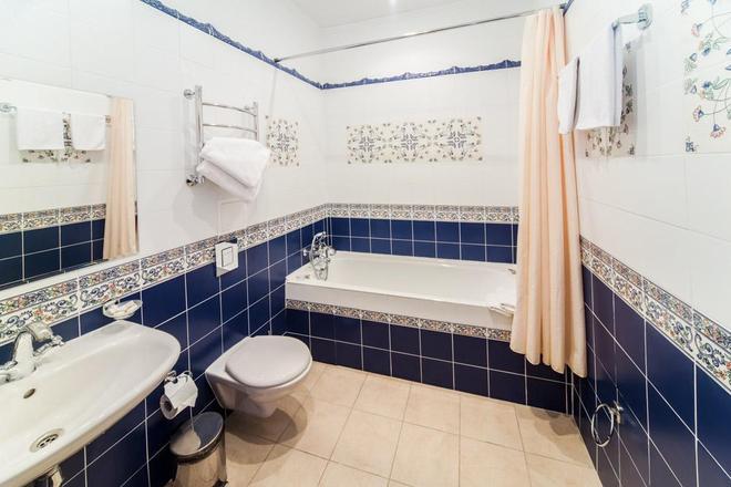 Sokol Hotel - Suzdal - Bathroom