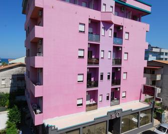 Hotel Clara - Tortoreto - Gebäude