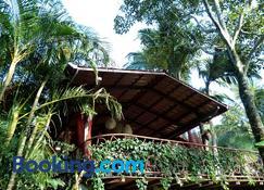 Tacarori Lodge - Alajuela - Edificio