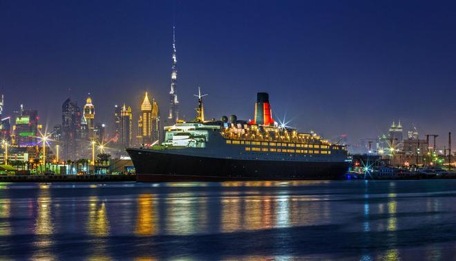 Queen Elizabeth 2 Hotel - Dubai - Rakennus