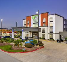 Holiday Inn Express & Suites Longview North