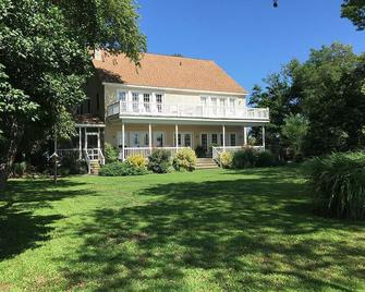 The Baywood Bed And Breakfast - Cape Charles - Building