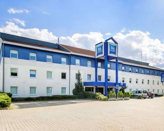 Ibis Budget Dresden Kesselsdorf - Kesselsdorf - Building