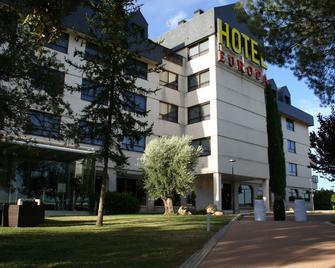 Hospedium Hotel Europa Centro - Magaz de Pisuerga - Edificio
