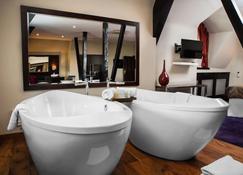 Great Victoria Hotel - Bradford - Bedroom